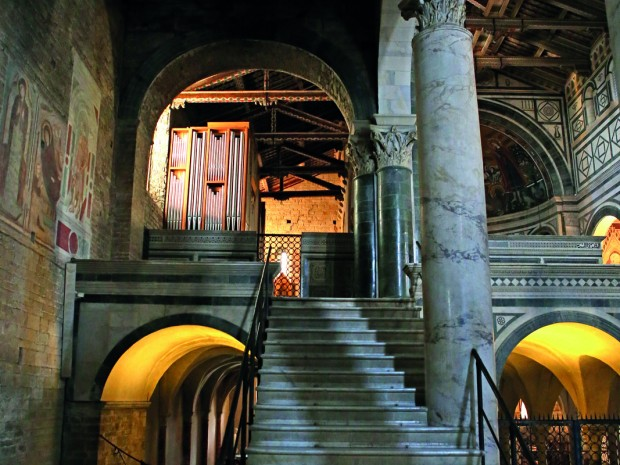 De romaanse kerk San Miniato Al Monte: een uniek interieur.