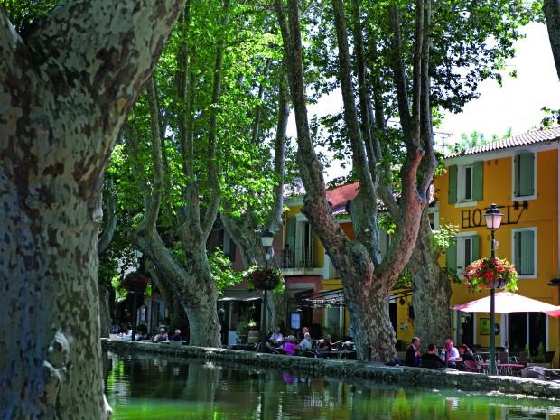 Het historische bassin van Cucuron.